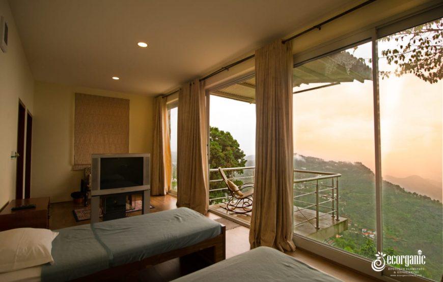 bedroom & beautiful morning in the vue kodaikanal