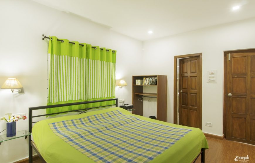 bedroom of taurus homestay kotagiri