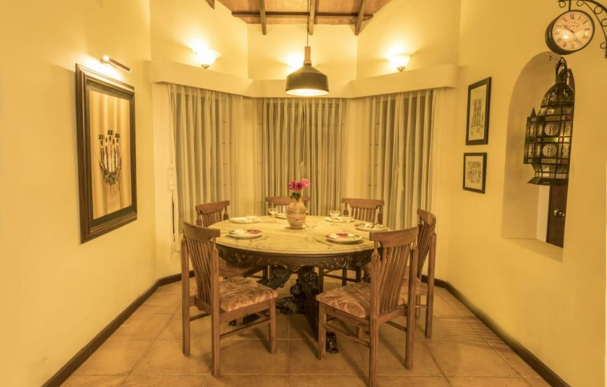 dining table of serenity homestay kotagiri