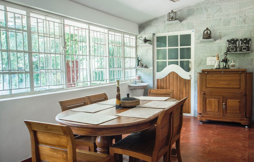 Dinning table of Kotagiri resorts homestay