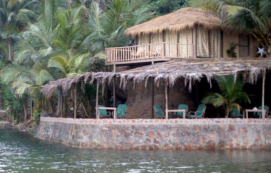 beautiful front view of huts in goa