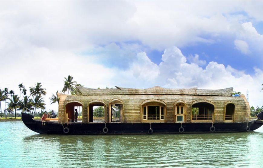 House boat in Alleppey Homestay Backwaters