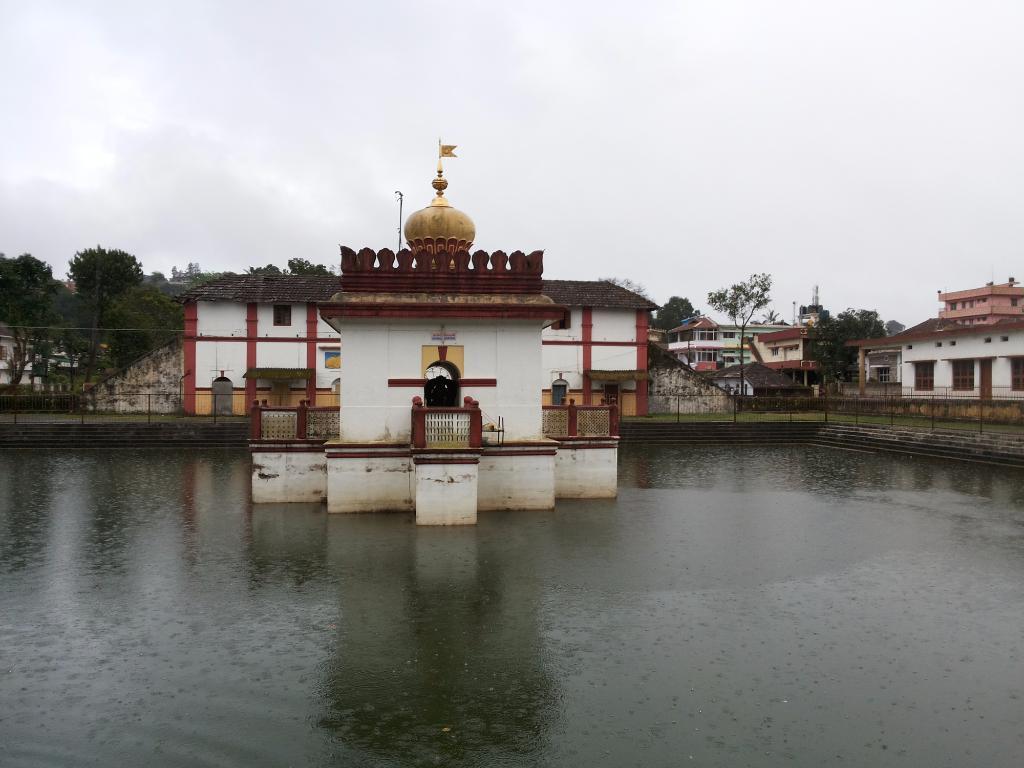 omkareshwara temple near the best homestay in kerala